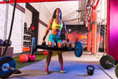 Hex Dead Lift Shrug Bar Deadlifts woman at gym — Stock Photo