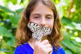 Girl holding Rice Paper butterfly Idea leuconoe — Stockfoto