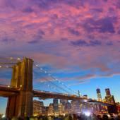 Brooklyn bridge and Manhattan skyline July 4th  — Stock Photo