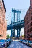 Manhattan Bridge at Brooklyn street New York US — Stockfoto