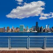 Manhattan New York sunny skyline East River NYC — Foto Stock