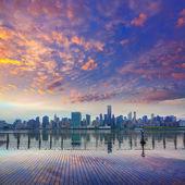 Manhattan New York skyline at sunset East River — Photo