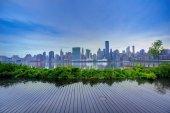 Orizzonte di Manhattan a New York al tramonto East River — Foto Stock