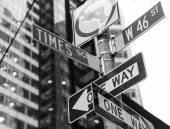 Times Square signs & W 46 st New York — Foto Stock