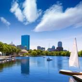 Boston sailboats Charles River at The Esplanade — Stock Photo