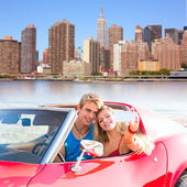 Selfie young couple convertible New York Manhattan — Stock Photo