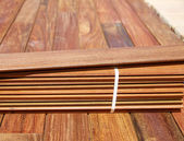 Ipe decking installation with wood slats — Stock Photo