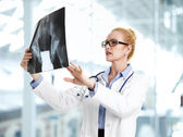Doctor diagnose x-ray image — Stock Photo