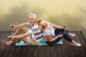 Couple de personnes âgées s'amuser — Photo