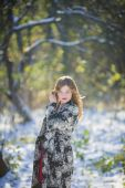 Girl in coat — Stockfoto