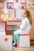 Child's doctor — Stock Photo