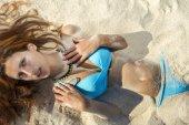 молодая девушка в бикини — Стоковое фото