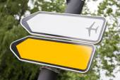 Yellow and white arrow road sign. — Stock Photo