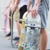 Boys skateboarding on street. Urban life. — Stock Photo