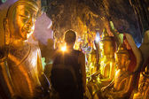 Golden Buddha statues in Pindaya Cave, Burma — Stock Photo
