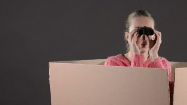 Woman in  a box — Stock Video