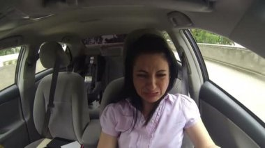 Crying woman in a car — Stock Video