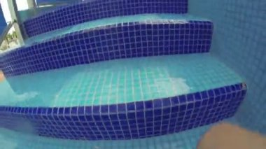 People having fun in a water park. — Stock Video
