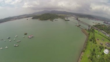 Beautiful bridge connected South and North Americas (Puente de las Americas Panama) — Stock Video