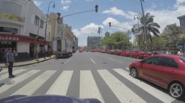 SAN JOSE, COSTA RICA - MAY 2015: POV of the Avenida Central Street on May 6, 2015 in San Jose, it is the most important working area of the country, which brings in more than a million people daily — Stock Video