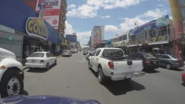 SAN JOSE, COSTA RICA - MAY 6, 2015: Traffic jam on main street in San Jose, Costa Rica on May 6, 2015. San Jose is still one of the safest and least violent cities in the region. — Stock Video
