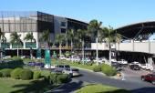 MANILA - MAY 17: Market! Market! is a Mall that has themed retai — Stock Photo