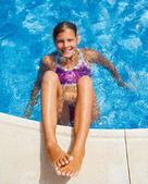 プールの女の子 — ストック写真
