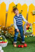 Spring boy with apples. — Stock Photo