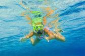 Underwater girl snorkeling — Stock Photo