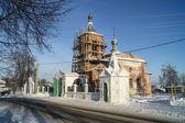 Repair to bell towers on Nikoliskom temple in Mstyore — Stockfoto