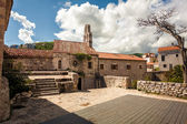 Stone cathedral at ancient citadel in city of Budva, Montenegro — Stock Photo