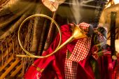 Closeup shot of decorative brass hunting horn  — Stock Photo