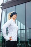 Attractive young woman ready for her running session — Stock Photo