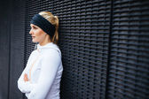 Sports woman taking a break from outdoor training session — Stock Photo