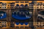 Ponte Vecchio bridge in Florence at night, Italy — Stock Photo