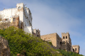 Ancient ruined fortress and living houses in Medina. Tangier, Morocco — Stock Photo