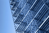 Modern metal scaffolding, blue toned photo — Foto de Stock