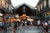 Entrance to La Boqueria, marketplace in old part of Barcelona — Stock Photo