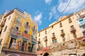 Colorful house facade with painting, Tarragona, Spain — Stock Photo