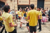 Young musicians in the street of Tarragona — Stock Photo