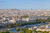 Birds eye view from Eiffel Tower on Paris city — Stock Photo