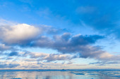 Winter Sea coastal landscape with cloudy sky — Stock Photo