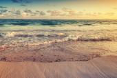 Paesaggio pittoresco di Alba sul litorale dell'oceano Atlantico — Foto Stock