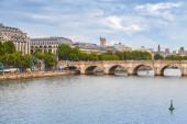 Pont Neuf. Oldest bridge across Seine river in Paris — ストック写真