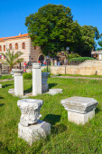 Aancient columns fragments in Nessebar town, Bulgaria — Stock Photo