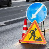 Roadsigns. Men at work, Road under construction — Stock Photo