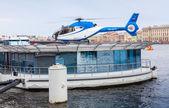 Floating helipad on the Neva river — Stock Photo
