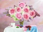 Still life with lilac and roses bunch on artistic background — Stock Photo