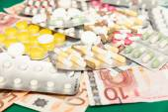 Health medications, money — Stock Photo
