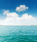 White clouds and turquoise sea — Stock Photo